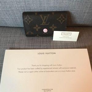 5d88b586 AUTHENTIC Louis Vuitton 6 Ring Key Holder